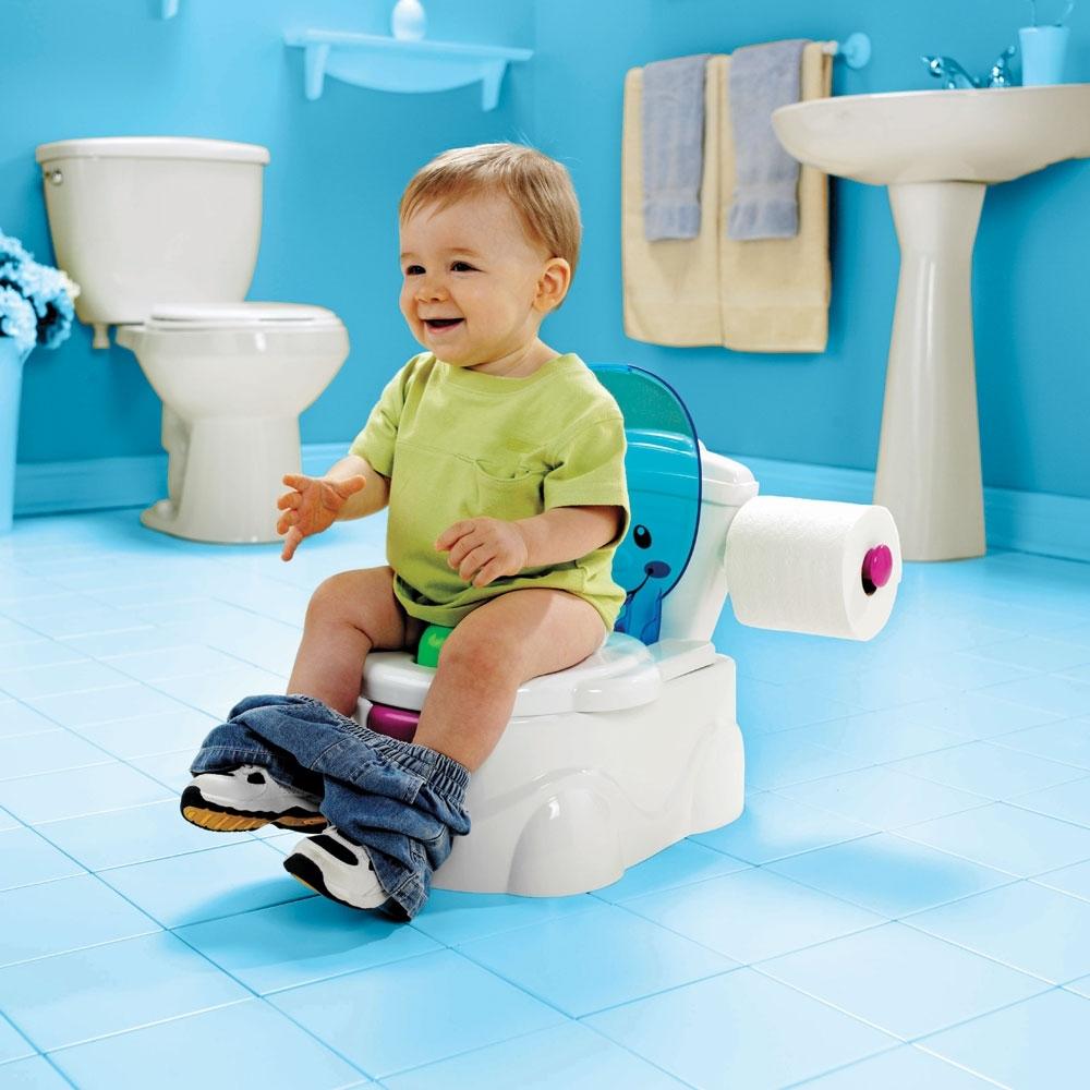 Малыш ходит в туалет