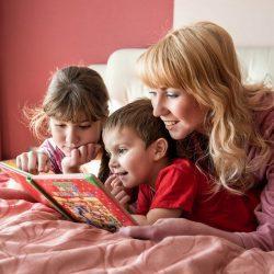 Развитие ребенка - читаем малышу с рождения